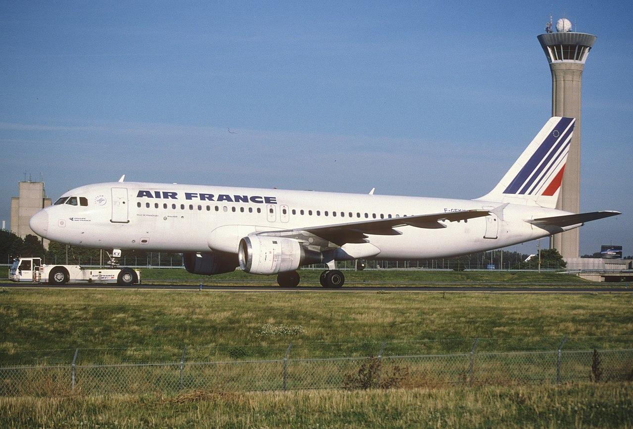 File 145bw air france airbus a320 211 f gfkx cdg for Airbus a320 air france interieur