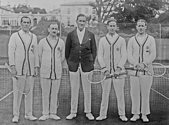 Brian Gilbert (tennis) - Brian Gilbert in 1924 (4th on the picture).