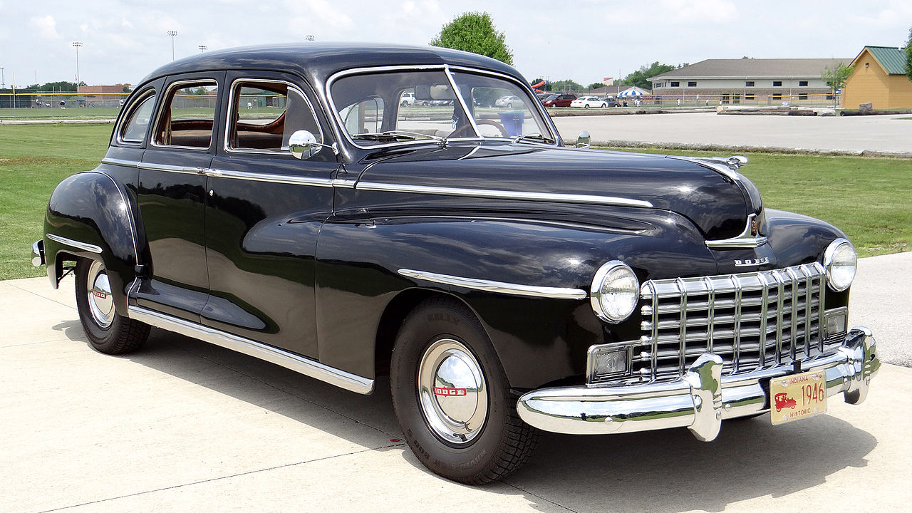 Manual Transmission >> File:1946 Dodge D24C 4-Door Sedan 258.JPG - Wikimedia Commons