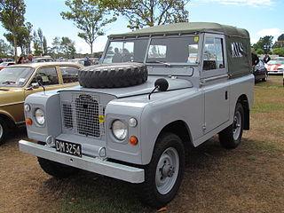 [Image: 320px-1970_Land_Rover_SWB_%2817049838884%29.jpg]
