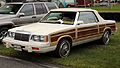 1986 Chrysler LeBaron Town & Country Conv. (KCP27) fL, Lime Rock.jpg