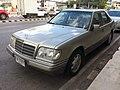 1993 Mercedes-Benz E-Class E220.jpg