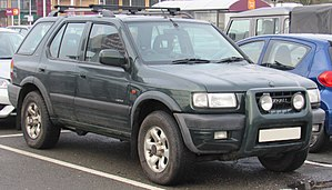1999 Vauxhall Frontera Limited DTi Automatic 2.2 Front.jpg