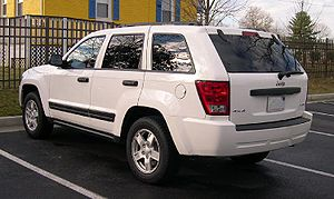 2005 Jeep Grand Cherokee rear.jpg