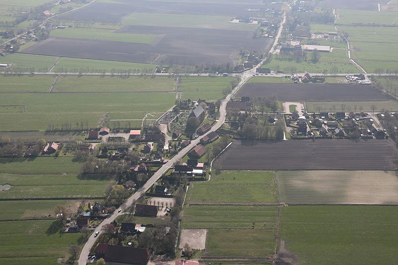 File:2013-05-03 Fotoflug Nordholz Papenburg HP 2918.JPG