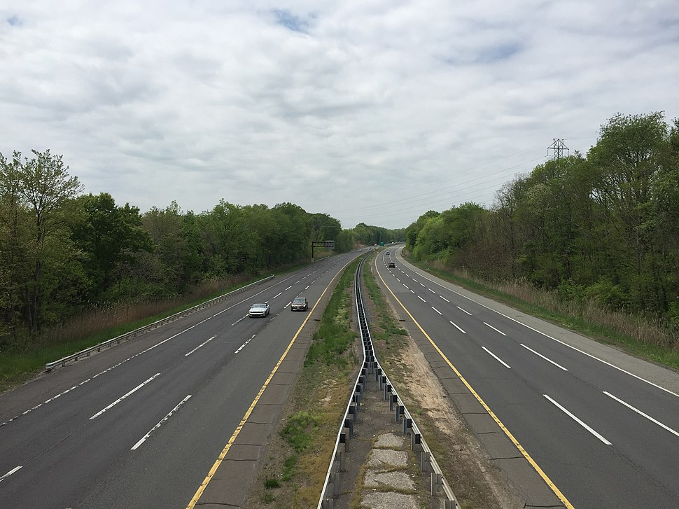 2016-05-12 12 35 38 View south along the New Jersey Turnpike Pennsylvania Extension (Interstate 95) from the Interstate 295 (Camden Freeway) overpass in Mansfield Township, Burlington County, New Jersey