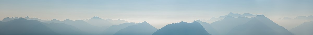 Mountain ranges east of Reutte/Tyrol in summer's early morning light.