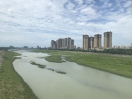 201908 West River in Chongzhou.jpg