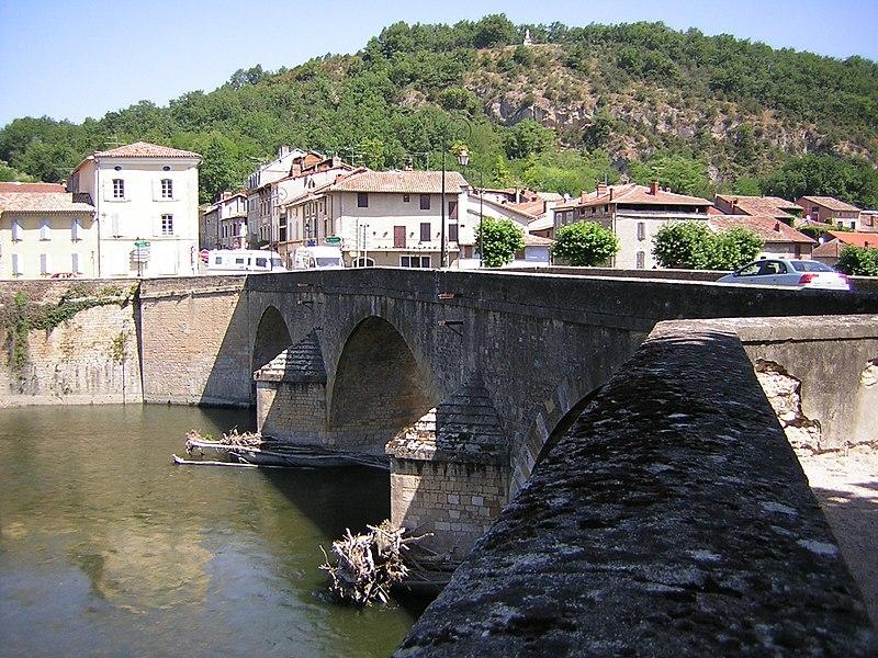 Pont sur la Garonne à Saint-Martory (Haute-Garonne, France.