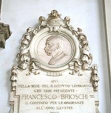 Lapide a Francesco Brioschi a Brera.