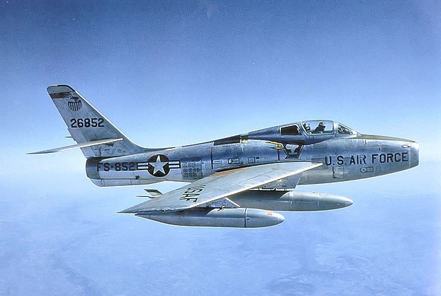 640px-91st_Tactical_Fighter_Squadron_-_Republic_F-84F-50-RE_Thunderstreak_-_52-6852.jpg
