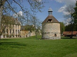 Abbaye de Mortemer view