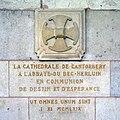 Abbaye du Bec-Hellouin - croix anglicane.jpg
