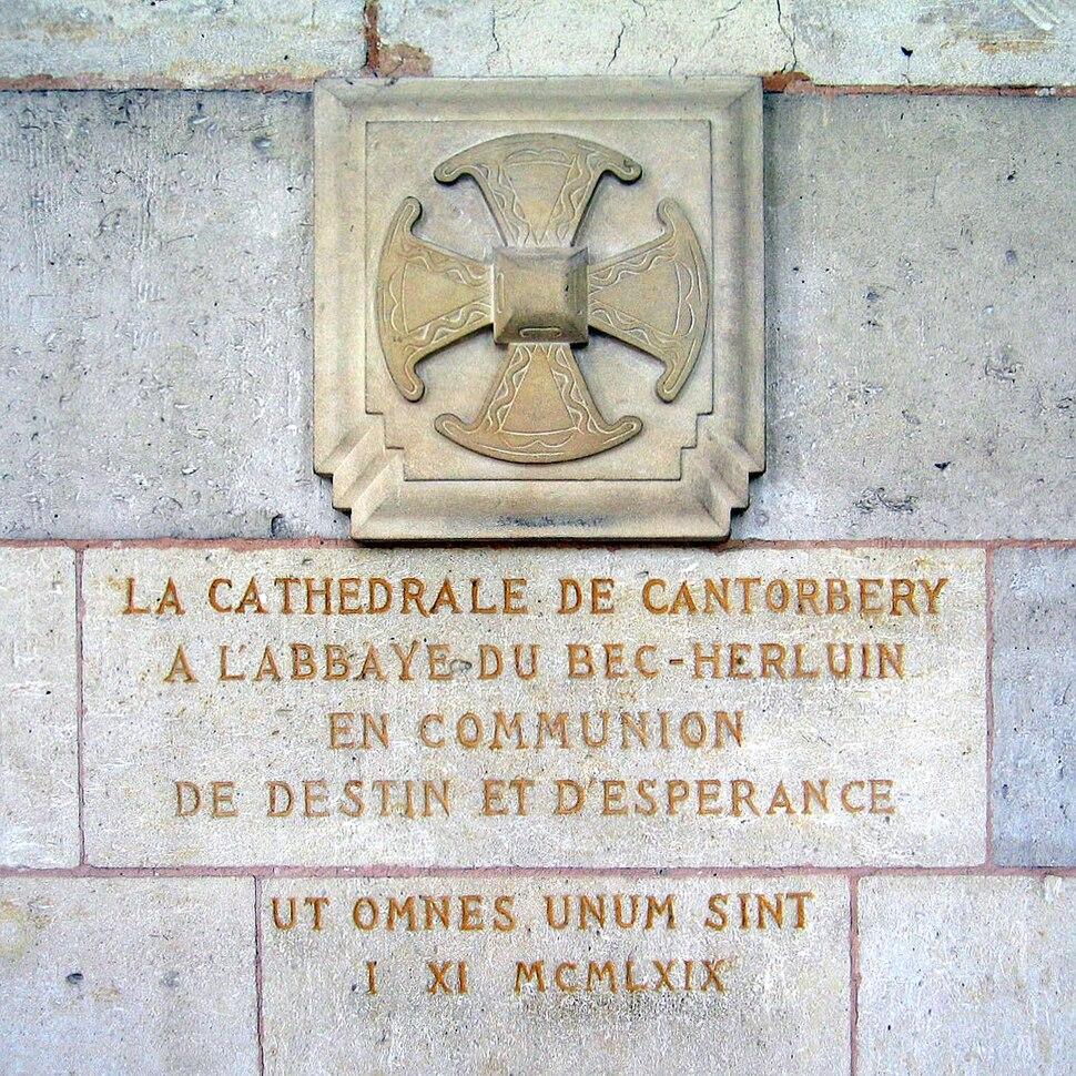 Abbaye du Bec-Hellouin - croix anglicane