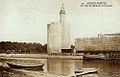 Aigues-Mortes Le port et la Tour de Constance.jpg