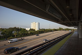Earlington Heights station - The Airport Expressway and Allapattah, as seen from the station platform