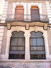Alcoy - Vivienda modernista en la calle Joan Cantó, 10 (1).jpg