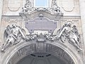 Allegorical sculptures above the Lion's Gate (S), 2016 Budapest.jpg