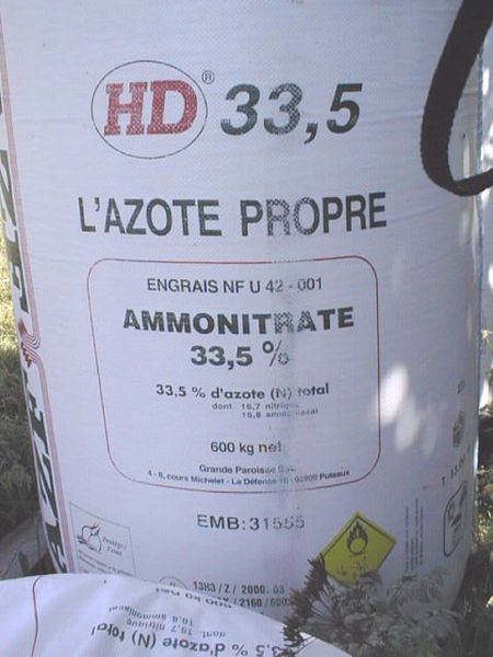 File:Ammonium nitrate HD 33,5 fertilizer by AZF Toulouse.jpg