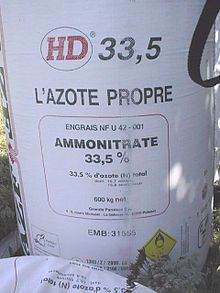 https://upload.wikimedia.org/wikipedia/commons/thumb/7/75/Ammonium_nitrate_HD_33,5_fertilizer_by_AZF_Toulouse.jpg/220px-Ammonium_nitrate_HD_33,5_fertilizer_by_AZF_Toulouse.jpg