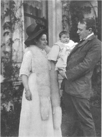 Thomas Andrews - Andrews with wife, Helen Barbour, and daughter, Elizabeth Law Barber Andrews