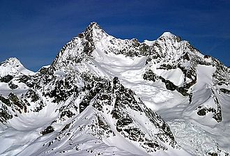 Ober Gabelhorn - The east side of the mountain with the Wellenkuppe (right)