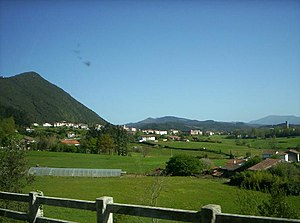 Gautegiz Arteaga - The town of Arteaga, with the tower at the right