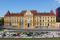 Arts and Crafts Museum in Zagreb 03.jpg