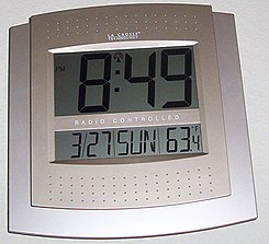 radio clock wikipedia