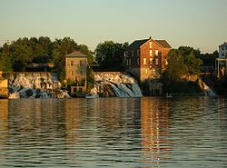 August 2005 view of falls on Otter Creek from Vergennes town dock.jpg