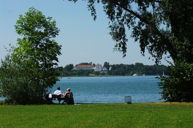 BY-chiemsee-blick-herreninsel.jpg