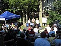 Bachmann Norwalk backyard chat 003 (5958356834).jpg