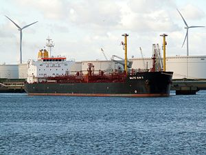 Baltic Sun II IMO 9286059 at the Calland canal, Port of Rotterdam, Holland 29-Apr-2006.jpg