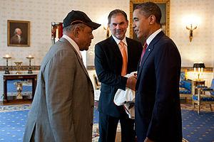 Dubuque, Iowa minor league baseball - Image: Barack Obama with Willie Mays & Bruce Bochy 2011 07 25