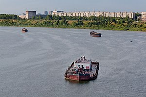 Barges on Tom River in Tomsk.jpg