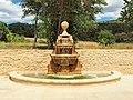 Beaurecueil-FR-13-château-fontaine-01.jpg