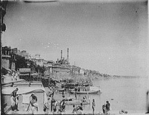 Benares - riverfront - edit LCCN2004707379