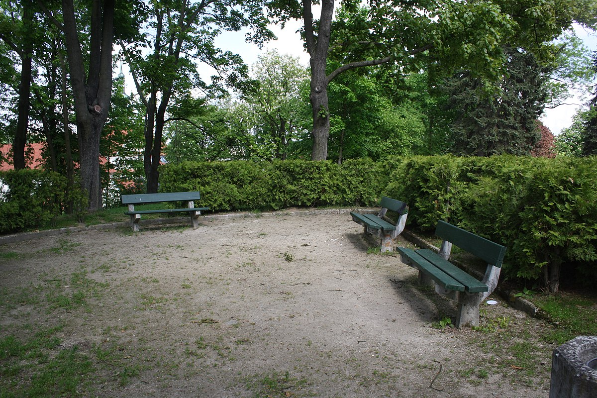 File Benches In Tyrš Gardens Třebíč District Jpg