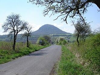 České Středohoří - Image: Berg Milá im Böhmischen Mittelgebirge, Tschechien
