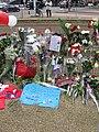 Bloemen voor de slachtoffers van de tramaanslag van 18 maart 2019 in Utrecht, 23 maart 2019 - 5.jpg