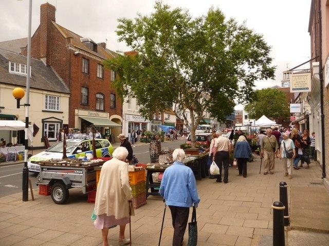 Bridport, Saturday market in South Street - geograph.org.uk - 1364367.jpg