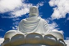 Travail sur Soi ! dans Travail sur soi ! 220px-Buddha_statue%2C_Nha_Trang