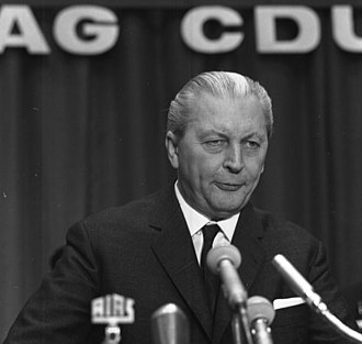 Leader of the Christian Democratic Union - Image: Bundesarchiv B 145 Bild F024017 0001, Oberhausen, CDU Parteitag Rheinland, Kiesinger