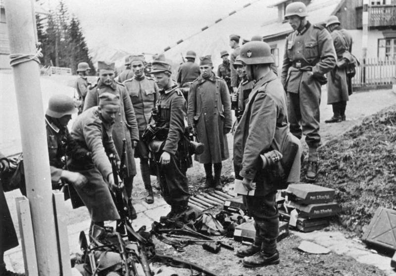 Bundesarchiv Bild 146-1975-036-24, Jugoslawien, serbische Gefangene