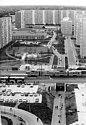 Bundesarchiv Bild 183-Z0904-006, Berlin, Marzahn, Wohnblocks, Grünanlage.jpg
