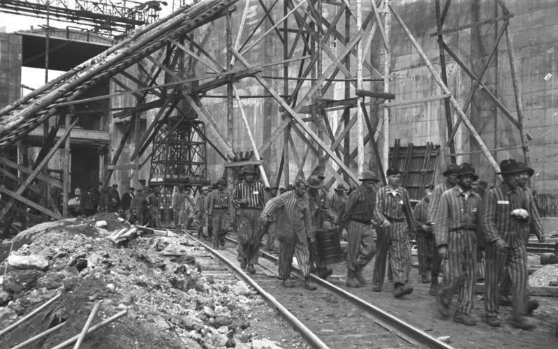 "Bundesarchiv Bild 185-23-21, Bremen-Farge, U-Boot-Bunker ""Valentin"", Bau"