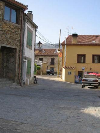 La Acebeda - Image: Calle de La Acebeda 1