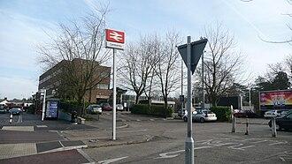 Camberley railway station - Image: Camberley railway station 2
