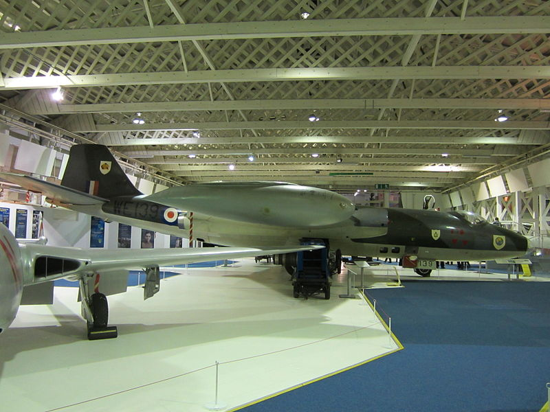 File:Canberra bomber at RAF Museum London.JPG