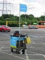Car wash cart at Sainsbury's Low Hall, Chingford, London 01.jpg